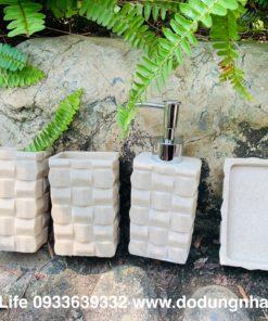 Quà tặng tân gia thiết thực với bộ chai lọ đựng xà phòng Green Life